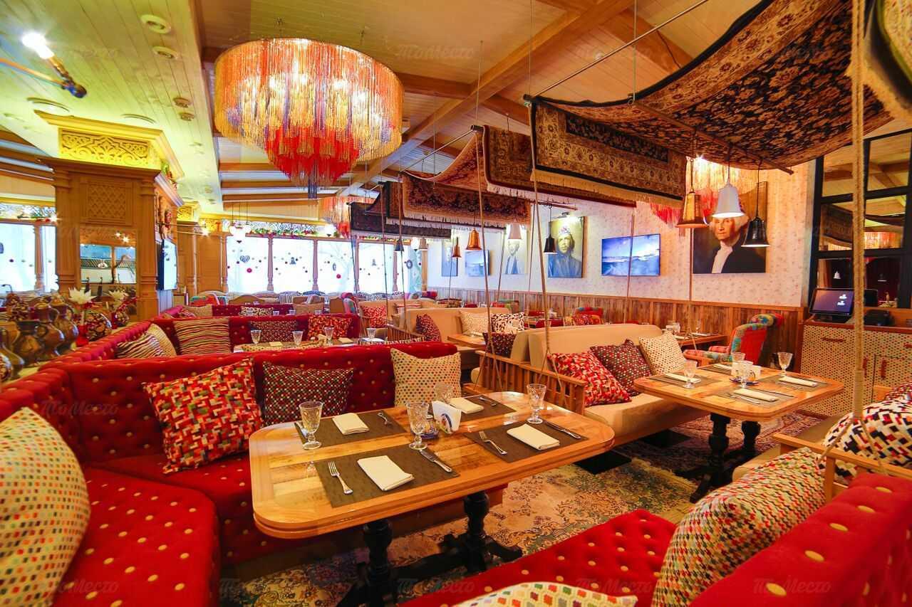 Банкетный зал в ресторане ишак