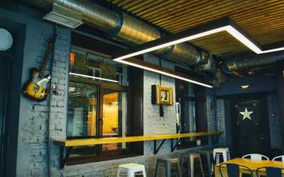 Банкетный зал бара, кафе, ночного клуба Вилка Бар (Vilka Bar) на улице Восстания