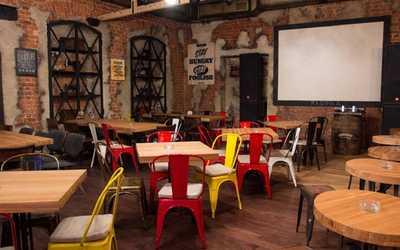 Банкетный зал бара, ночного клуба, ресторана Fabrika (Фабрика) на Рождественской улице фото 3