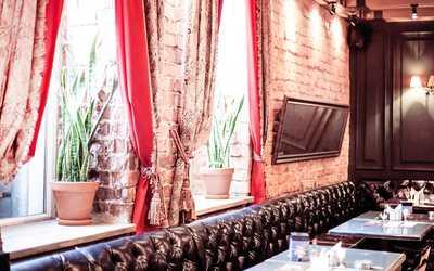Банкетный зал бара, паба, стейка-хауса Bukowski Grill на улице Карла Либкнехта