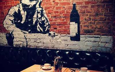 Банкетный зал бара, паба, стейк-хауса Bukowski Grill (Буковски Гриль) на улице Карла Либкнехта фото 2