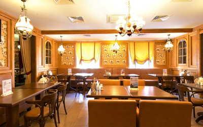 Банкетный зал пивного ресторана, ресторана Хмельбург на Сиреневом бульваре