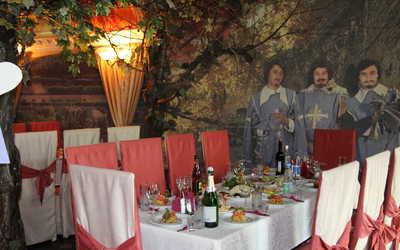 Банкетный зал кафе, ресторана Три Мушкетёра на улице Начдива Онуфриева фото 1