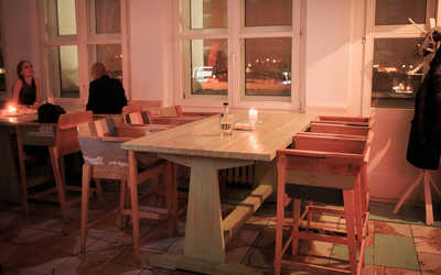 Банкетный зал бара Time Out Bar (Time Out Rooftop Bar) на Большой Садовой улице