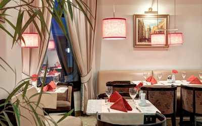 """Банкетный зал кафе Café """"Vienna"""" (Вена) на Стремянной улице"""