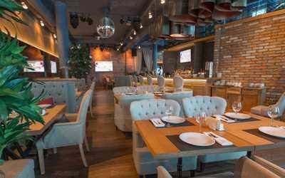 Банкетный зал бара, ресторана MOST (mad MOST) на Кубанской набережной