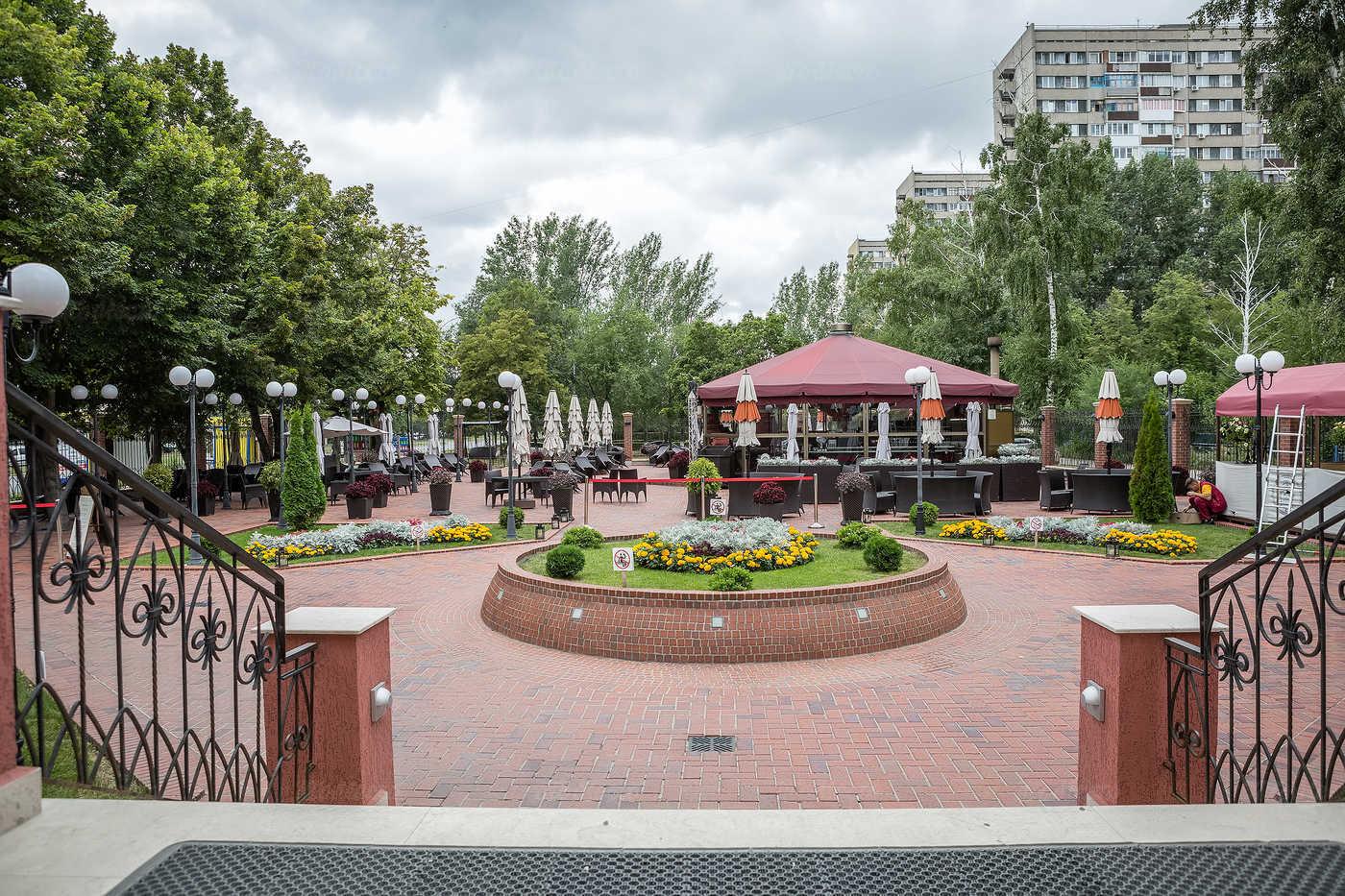 Пивной ресторан Швейк (Svejk) на улице Фрунзе фото 10