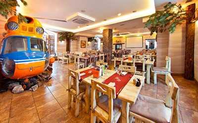 Банкетный зал кафе, ресторана Экспедиция на улице Монастырской