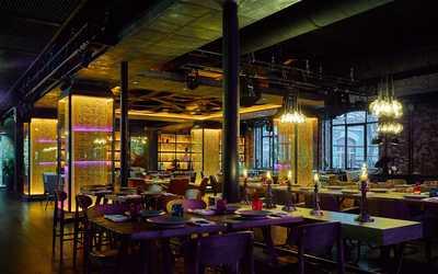 Банкетный зал бара, караоке клуба, ресторана Жизнь Пи на Саввинской набережной