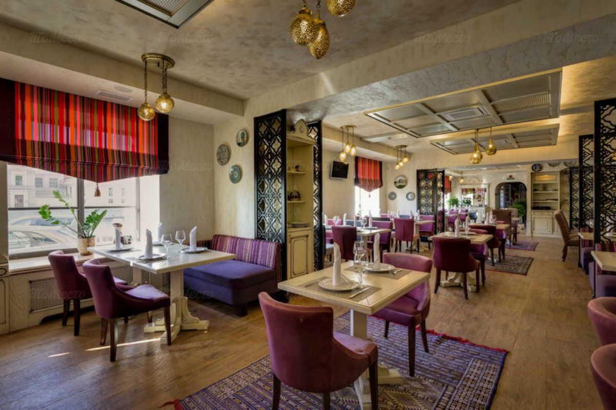 Ресторан Баязет на набережной реки Фонтанки