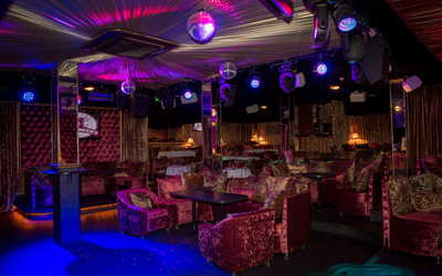Банкетный зал ночного клуба, паба, пивного ресторана Таверна на улице Карпинского