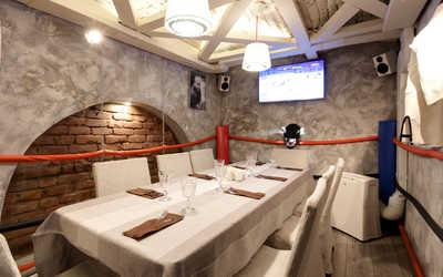 Банкетный зал паба, ресторана Арнольд и Федор (Arnold&Фёдор) на улице Чайковского