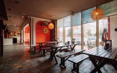 Банкетный зал бара, ресторана Пиратская пристань на улице Рашпилевской