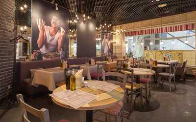 Банкетный зал кафе Osteria Mario (Остерия Марио) на Манежной площади