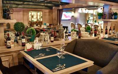 Банкетный зал ресторана Friends and family на улице Ленинской Слобода фото 2