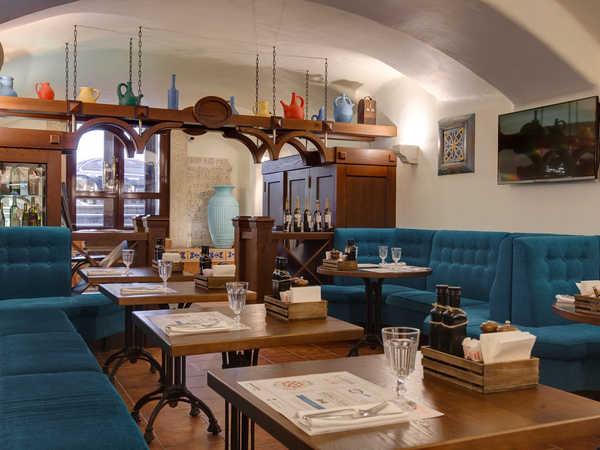 Cannoli Cafe