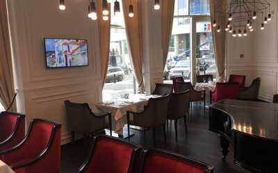 Банкетный зал кафе Grand Cafe Piaf (Гранд Кафе Пиаф) на улице Хохрякова фото 1