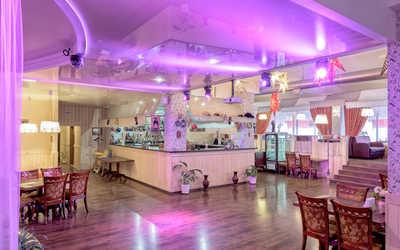 Банкетный зал ресторана Eristov на набережной Реки Карповки
