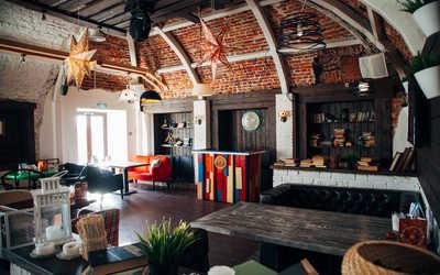 Банкетный зал кафе Все свои (#всесвои lounge) на улице Пушкиной фото 1
