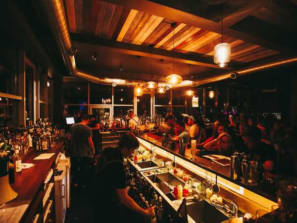 ROOF cocktail bar