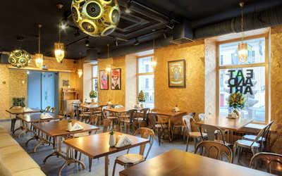 Банкетный зал ресторана Eat&Art на Кадетской линии ВО фото 2