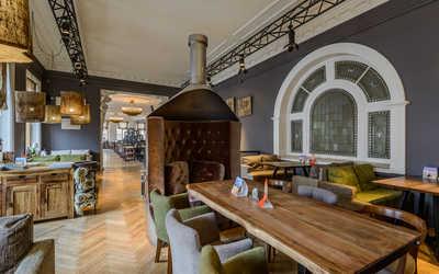 Банкетный зал пивного ресторана Chateau Vintage (Шато Винтаж) на Невском проспекте фото 2