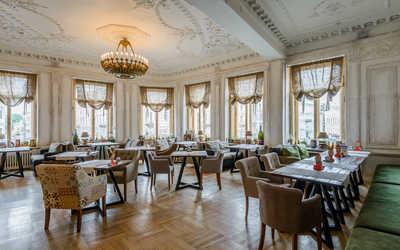 Банкетный зал пивного ресторана Chateau Vintage на Невском проспекте фото 1
