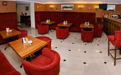 """Банкетный зал кафе Бристоль (Бутик-отель """"Бристоль"""") на улице Калинина фото 1"""