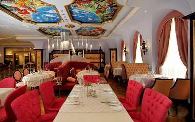 Банкетный зал ресторана Le Grand Cafe на улице Розы Люксембург