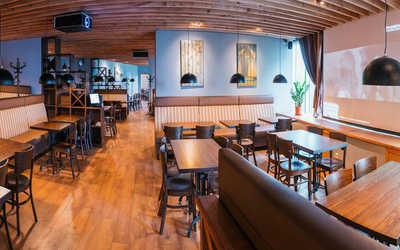 Банкетный зал пивного ресторана Сыто-Пьяно на проспекте Обуховской Обороны фото 1