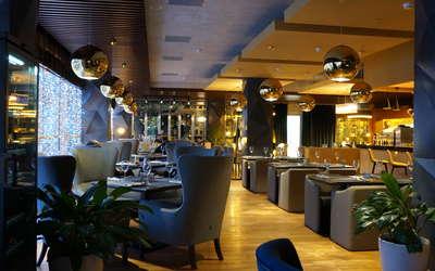 Банкетный зал ресторана Атмосфера на улице Василисы Кожиной фото 1