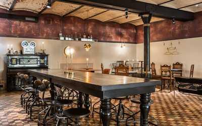 Банкетный зал бара Laboratorio Distilita (Лаборатория дистиллятов) на Гражданской улице фото 2
