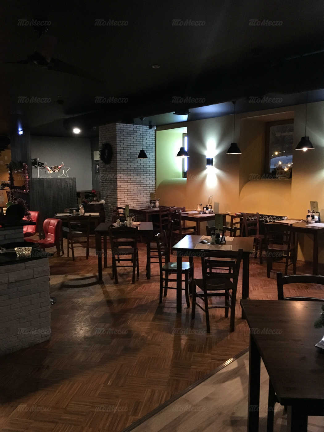 Ресторан The Батя (The Batya) на набережной реки Фонтанки