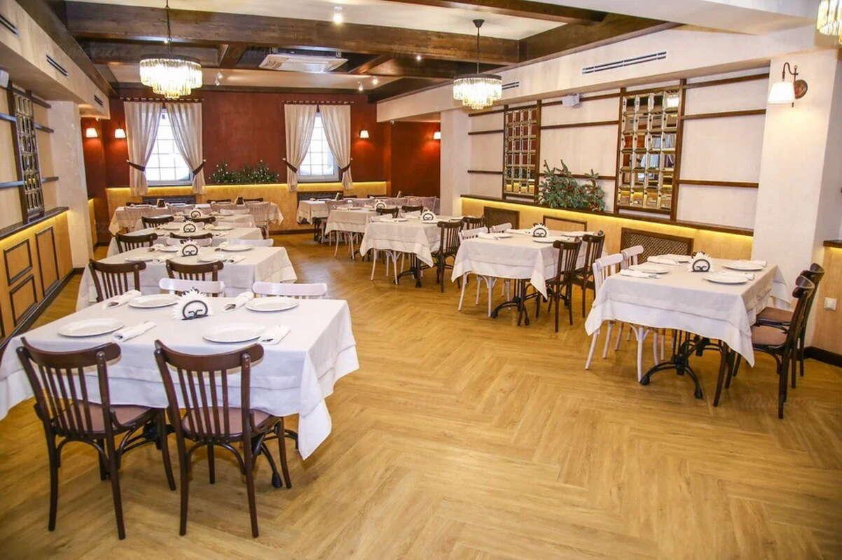 Ресторан Фрау Мюллер (Frau Muller) на Ново-Садовой улице