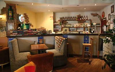 Банкетный зал кафе Крекер на улице Академика Бардина фото 3
