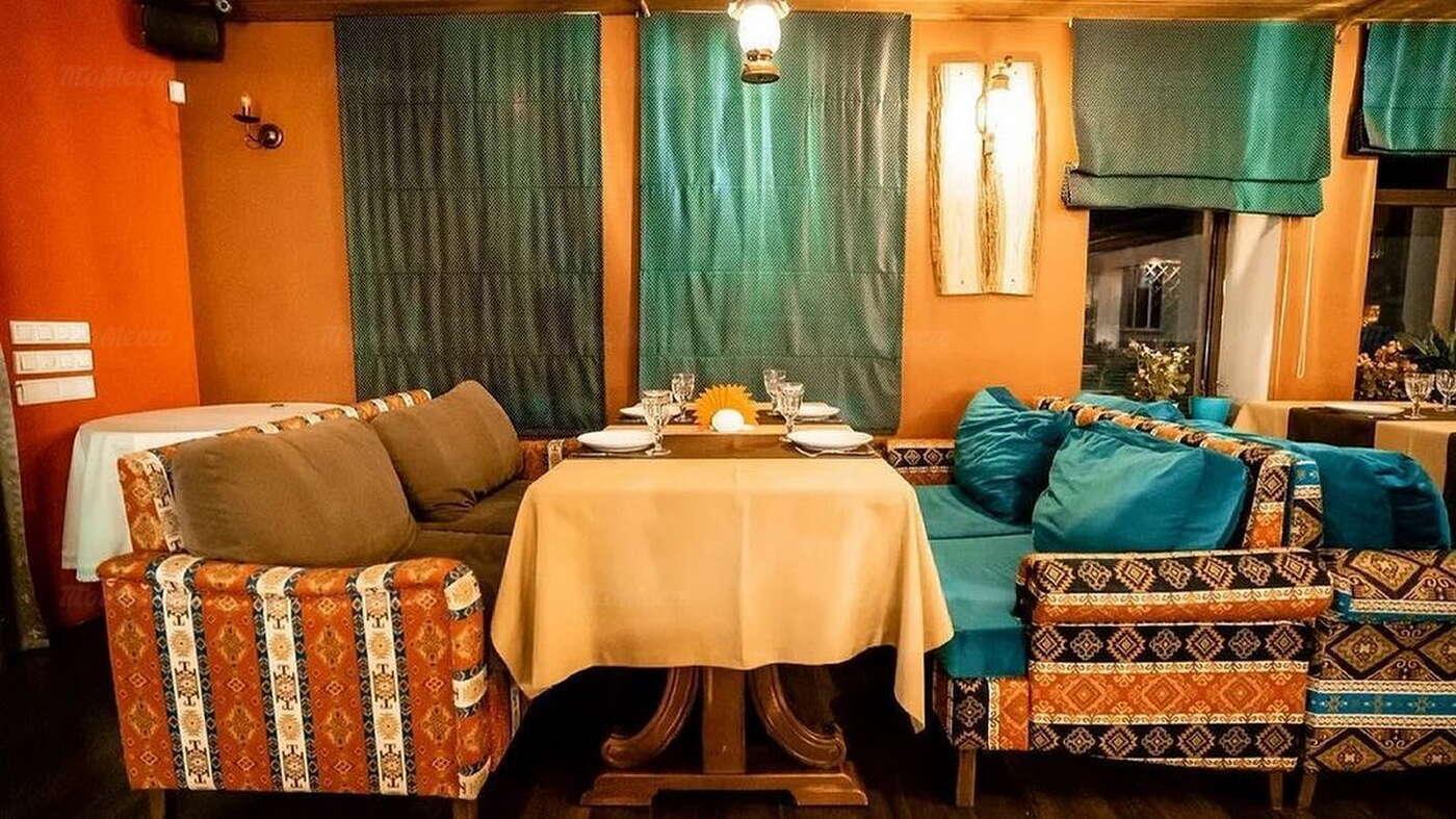 Ресторан Хванчкара на улице Селезнёва фото 3