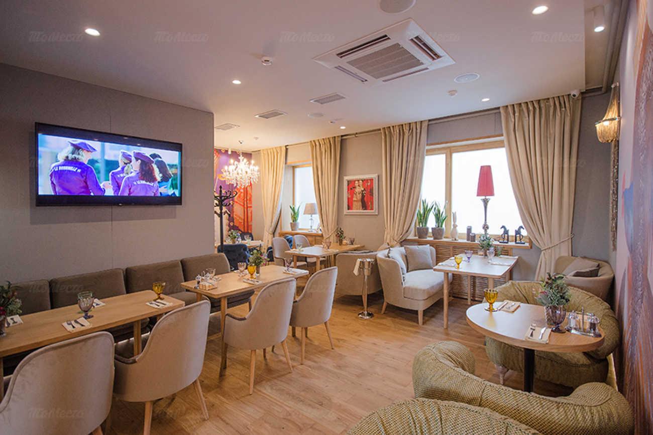 Ресторан Вилла Капри на улице Комсомольской фото 2