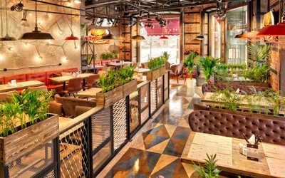 Банкетный зал ресторана Ketch Up Burgers на улице Льва Толстого фото 2