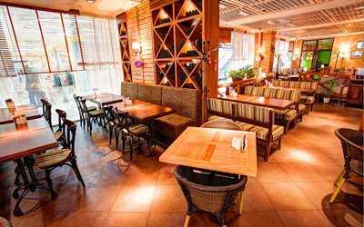 Банкетный зал ресторана Trattoria Chili Pizza на Типанова фото 3