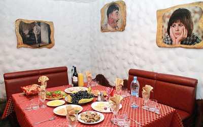 Банкетный зал кафе Приключения Шурика на улице Партизанской фото 1