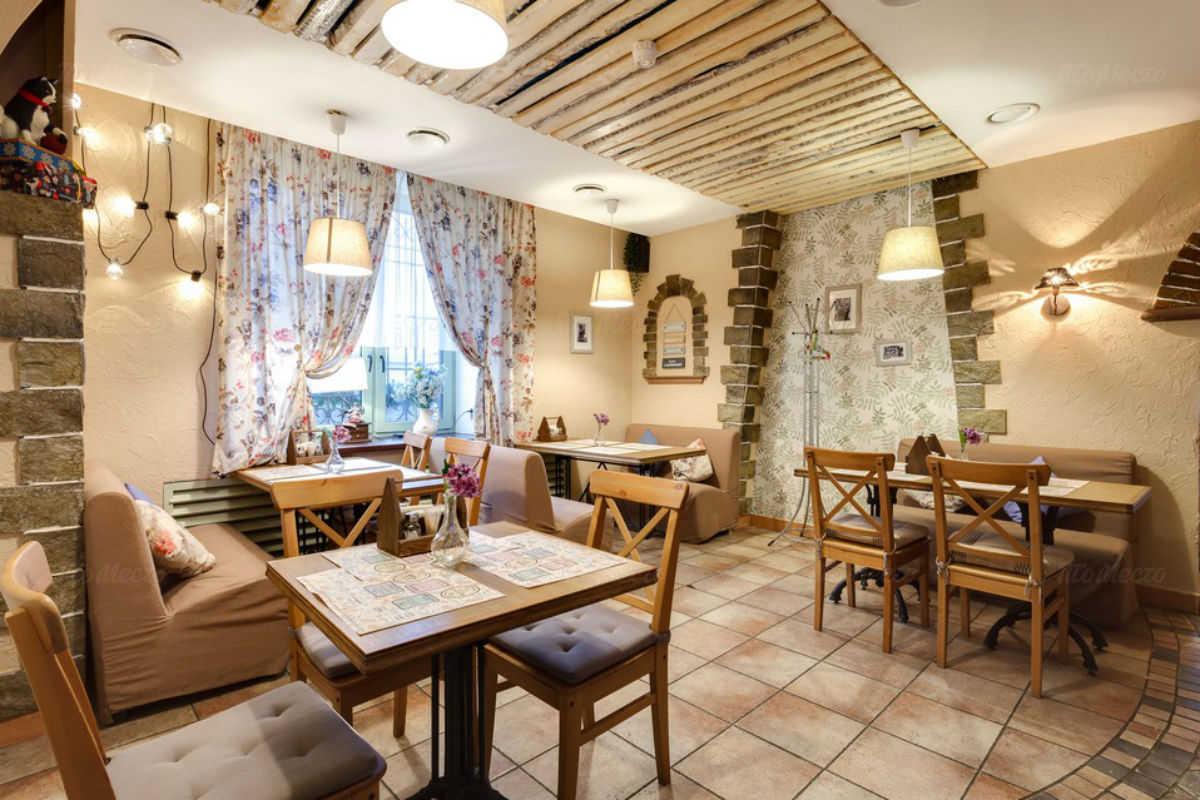 Ресторан Посиделки на Светлановском проспекте