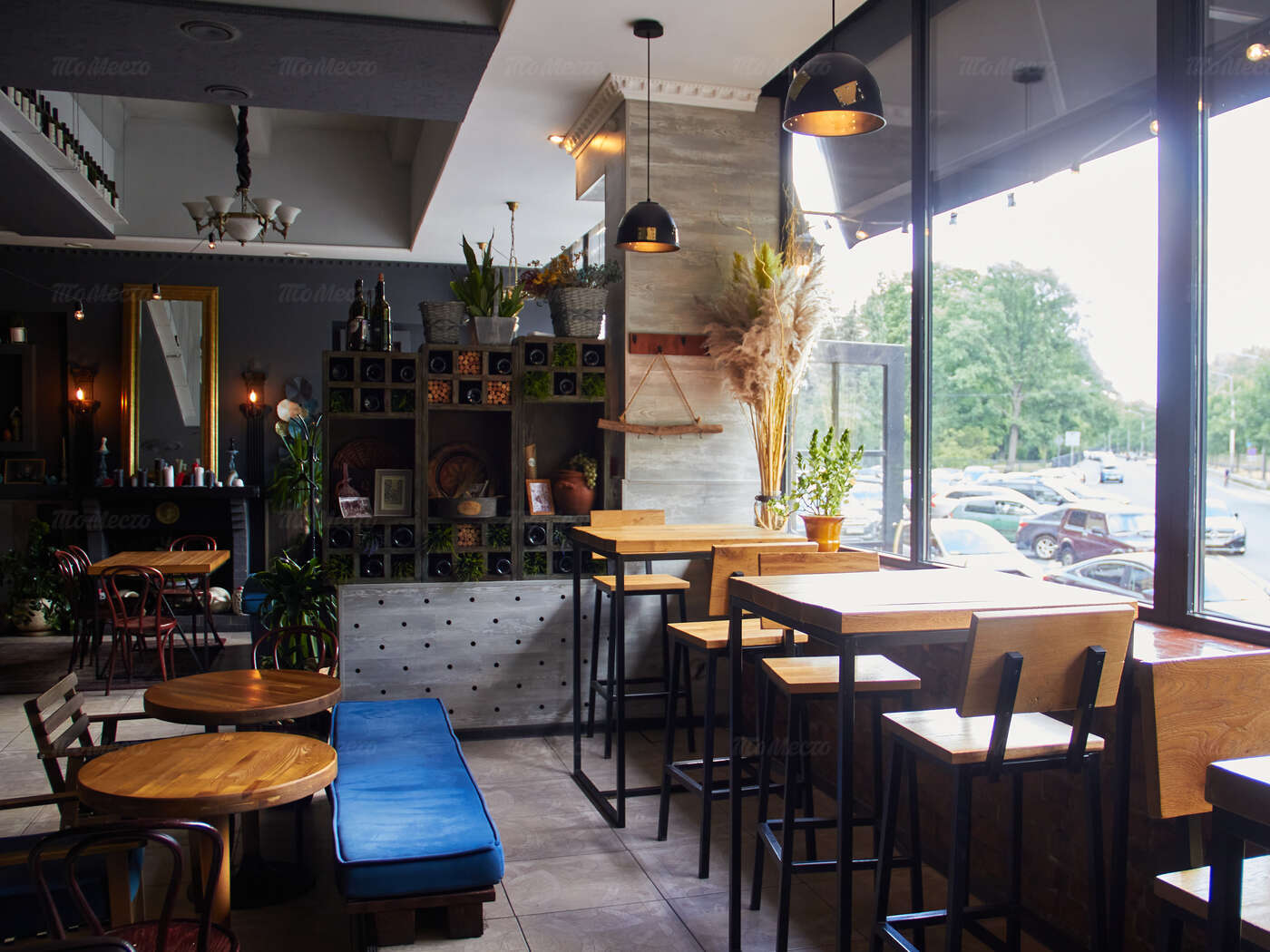 Ресторан Pshaveli (Пшавели) на набережной реки Карповки