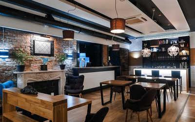 Банкетный зал ресторана Abajour Cafe на 9-й линии Васильевского острова фото 2