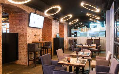 Банкетный зал стейк-хауса Larionov Grill&Bar (Ларионов Гриль и Бар) на Некрасова фото 3