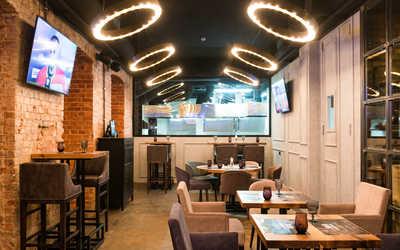 Банкетный зал стейк-хауса Larionov Grill&Bar (Ларионов Гриль и Бар) на Некрасова фото 2