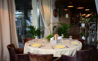 Банкетный зал ресторана Ла Фамилия (La Famiglia) на Федосеевской фото 2