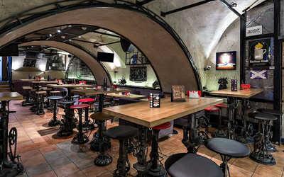 Банкетный зал бара Craft Station (Крафт) на Рождественке фото 1