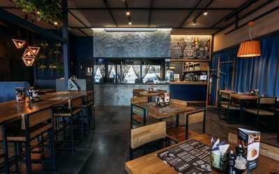 Банкетный зал стейк-хауса Мяс Угляс на улице 8 Марта фото 3