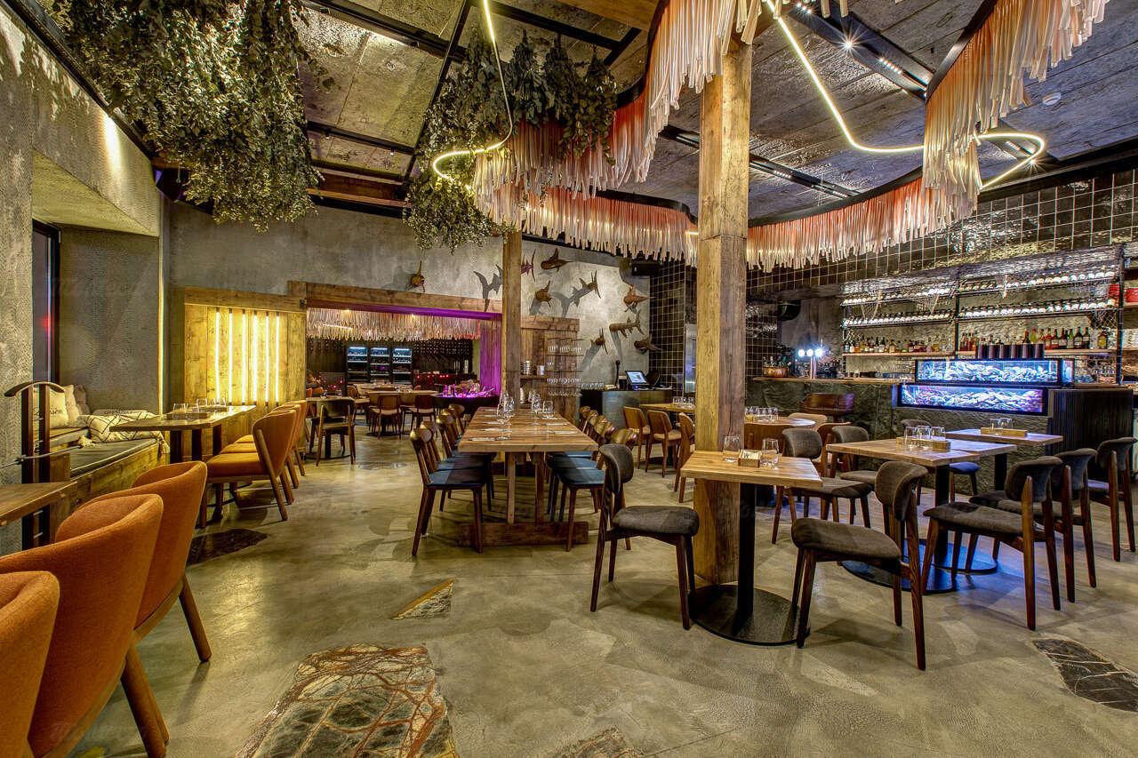 Ресторан Ларри Крабс (Larry & Krabs) на Маросейке