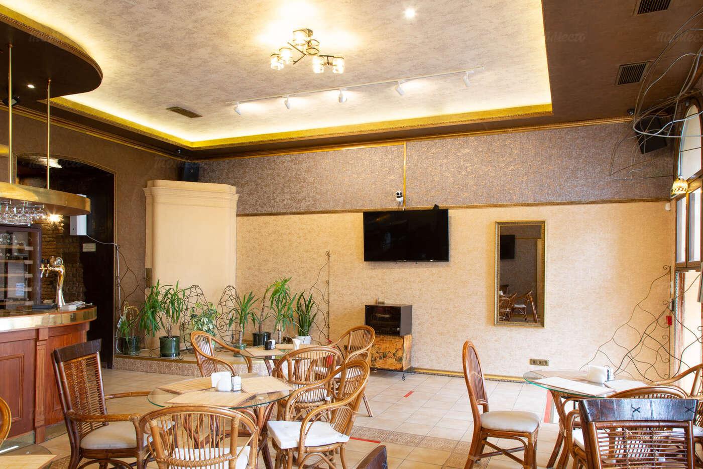Ресторан BISTRO A-STYLE (Бистро астайл) на набережной реки Фонтанки фото 3